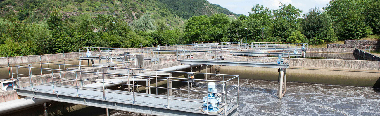 Enhanced efficiency at the Cochem district wastewater treatment plant with screw blowers from Kaeser Kompressoren